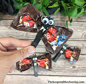 clothespin-bat-treats-3