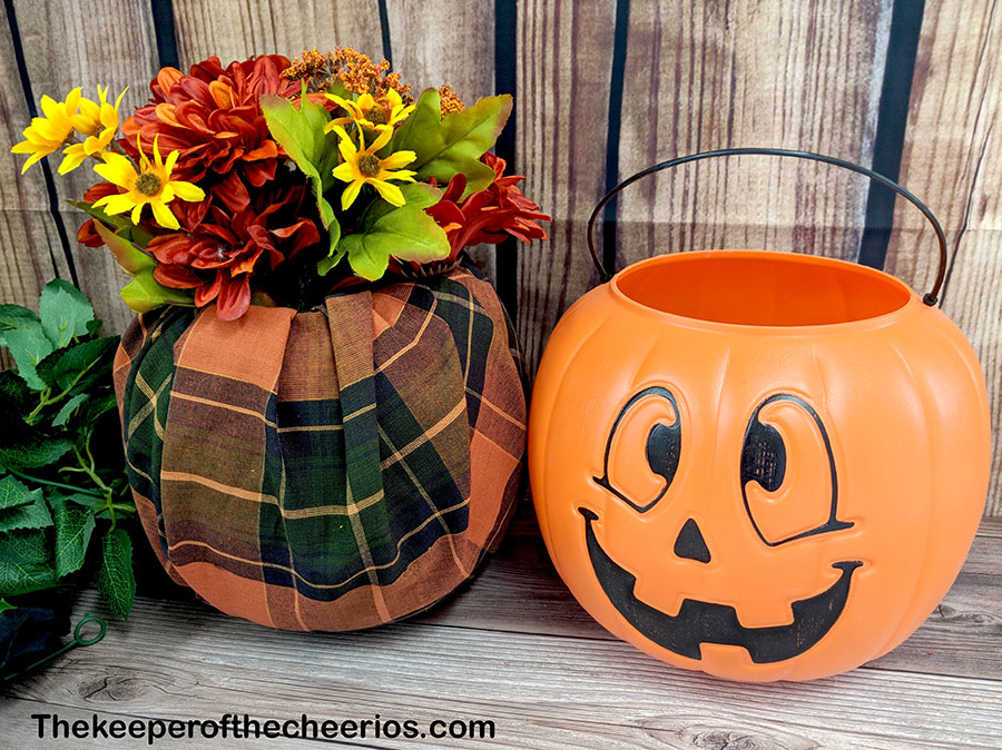 dollar-store-fabric-wrapped-plastic-pumpkin-1