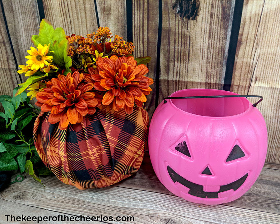 dollar-store-fabric-wrapped-plastic-pumpkin-2