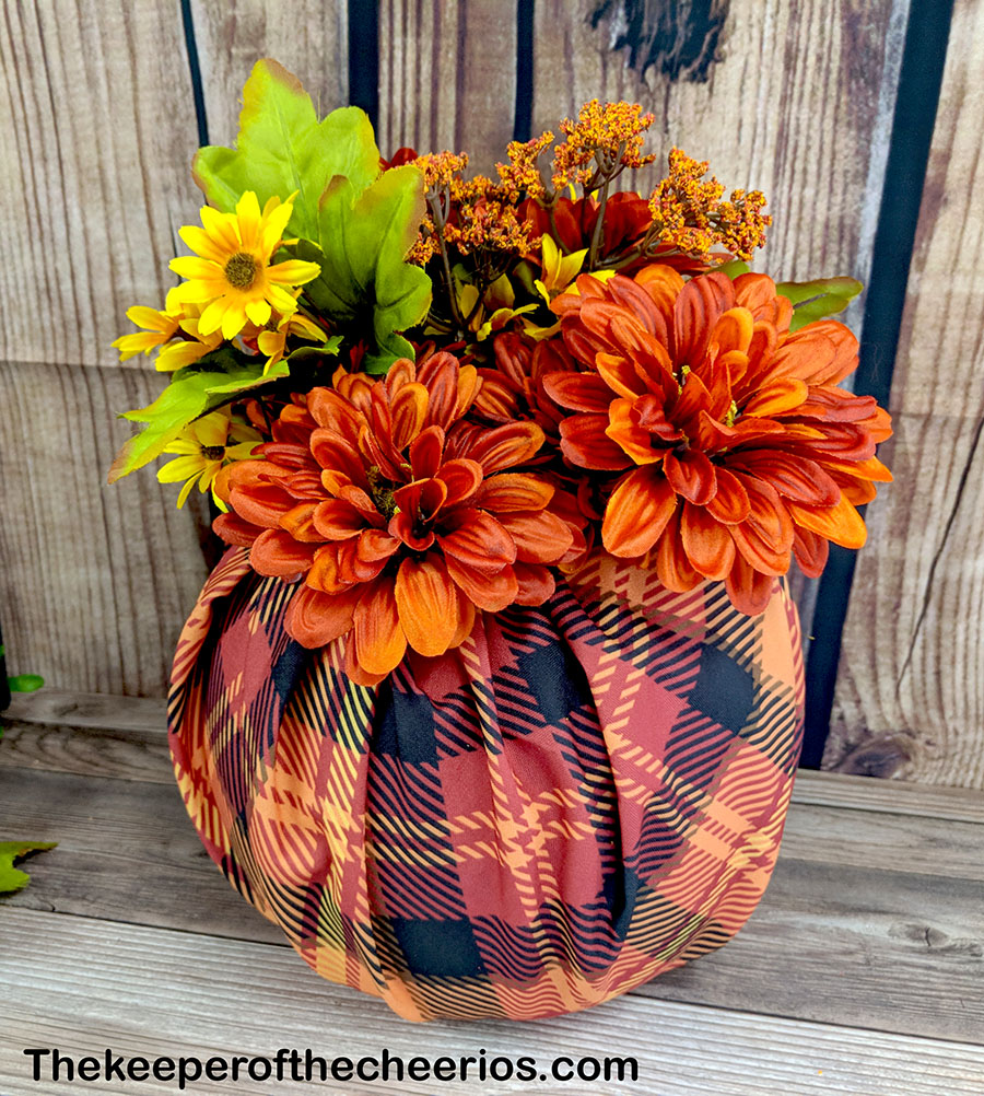 dollar-store-fabric-wrapped-plastic-pumpkin-4
