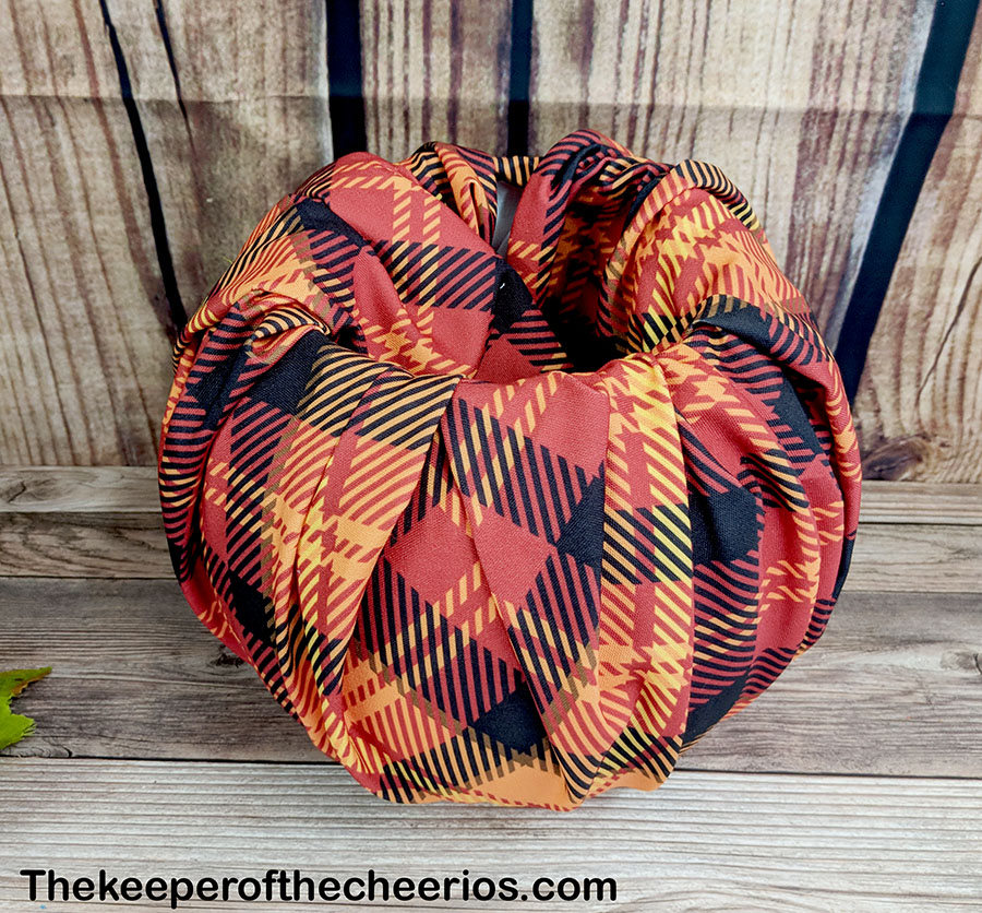 dollar-store-fabric-wrapped-plastic-pumpkin-8