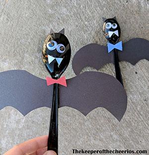 plastic-bat-spoons-smm
