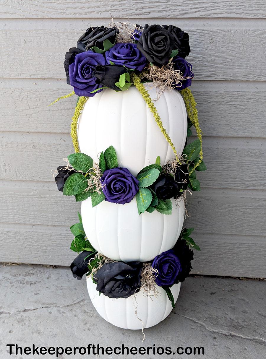 stacked-plastic-pumpkin-centerpiece-5