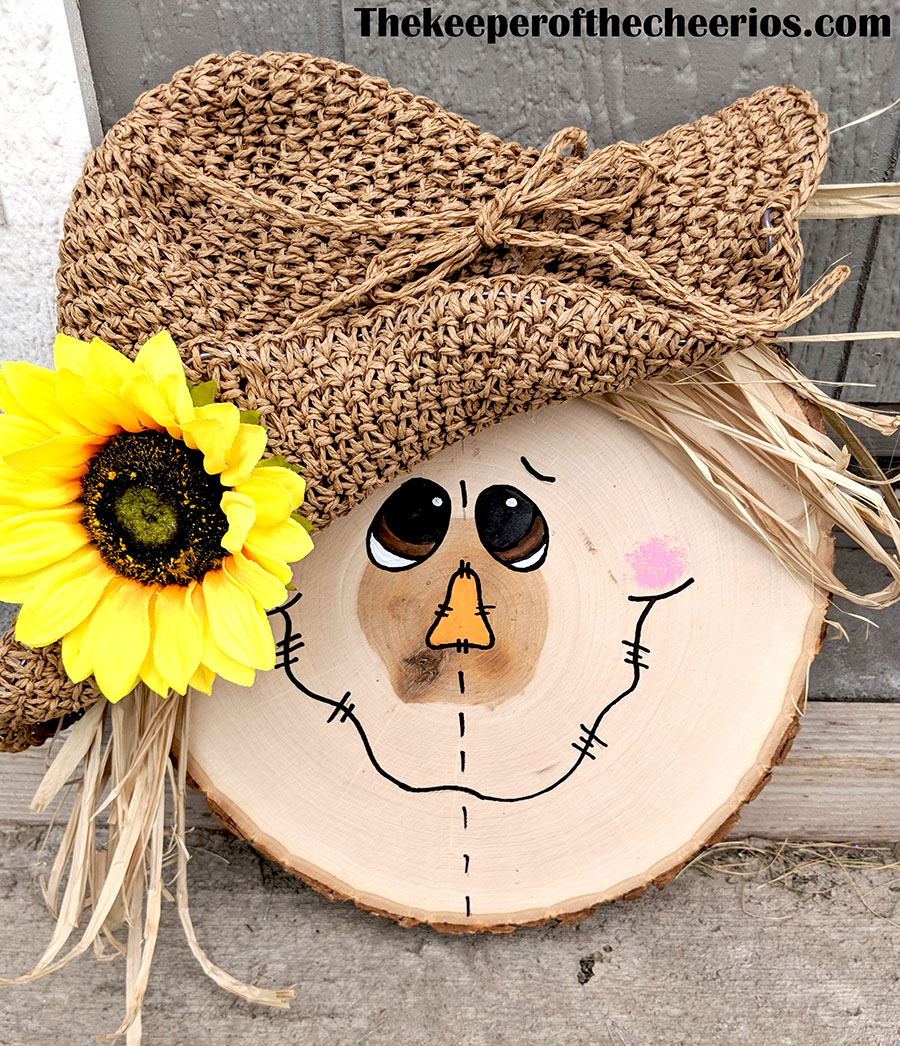 wood-slice-scarecrow-1