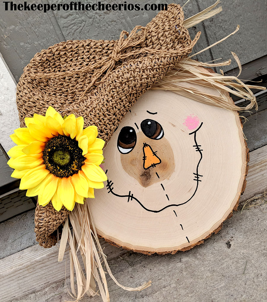 wood-slice-scarecrow-3