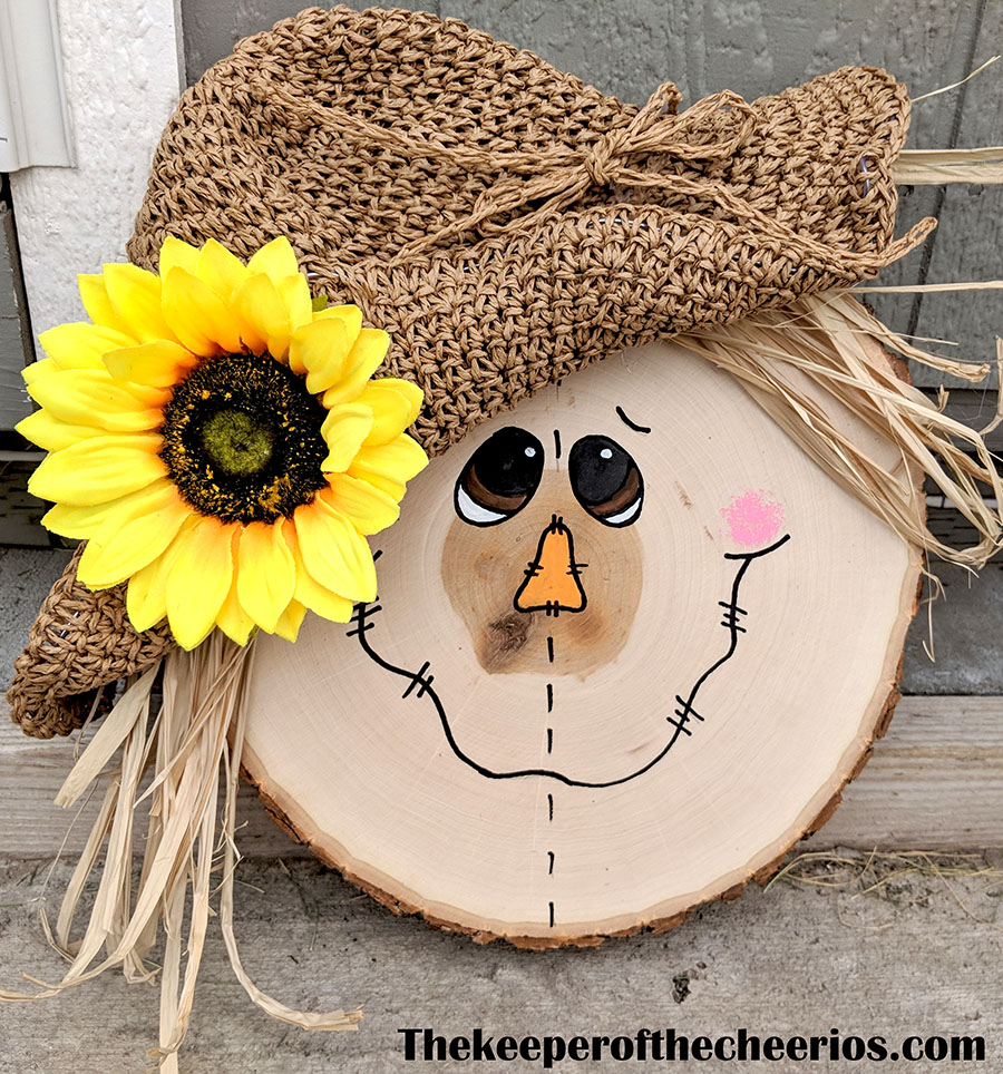 wood-slice-scarecrow-4