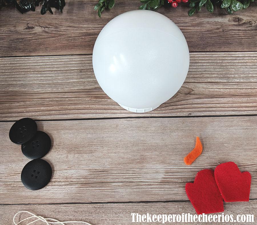 mason-jar-lid-snowman-4