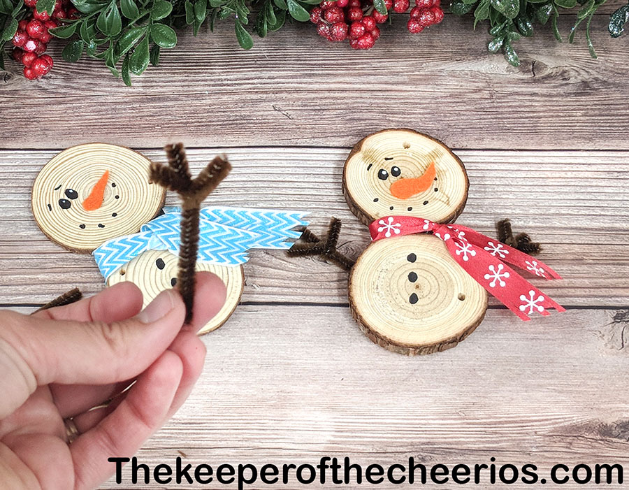 wood-slice-snowmen-4