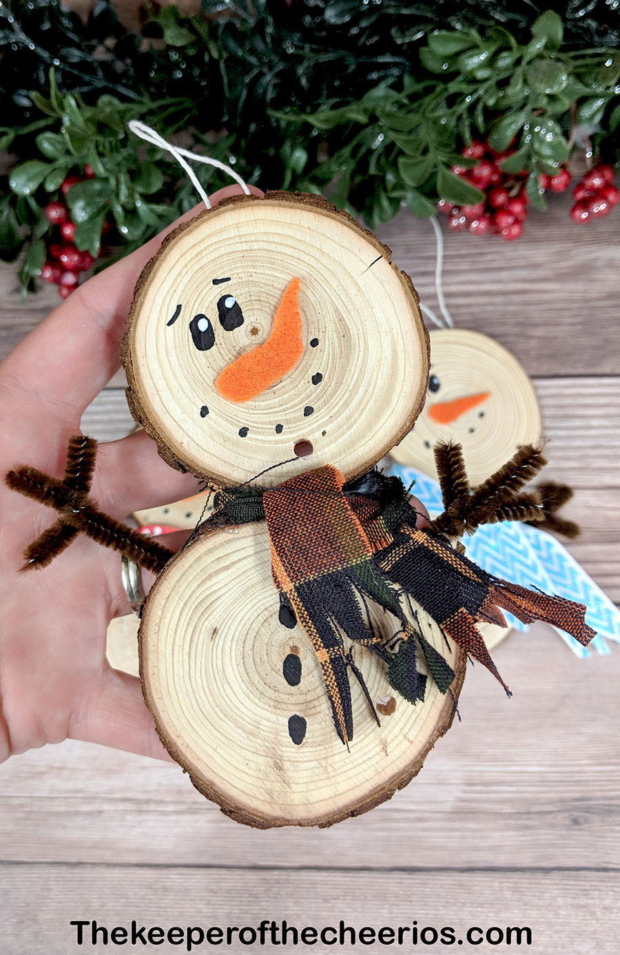 wood-slice-snowmen-5