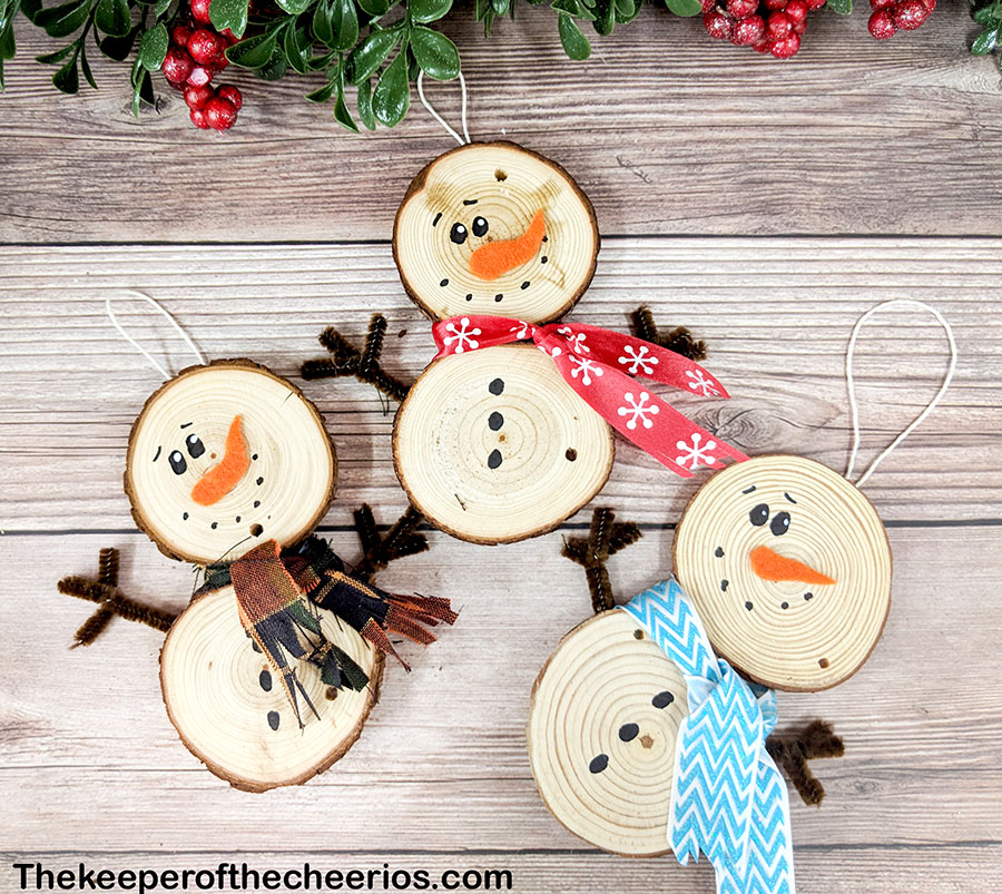 wood-slice-snowmen-9