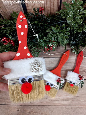 santa-paint-brush-smm