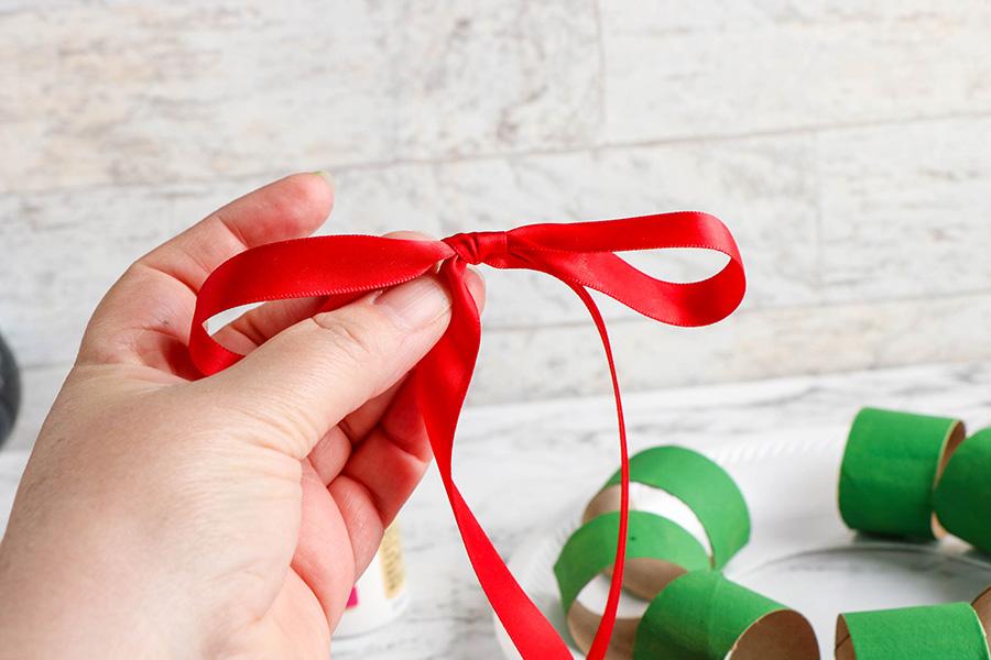 Cardboard-Tube-Wreath-5