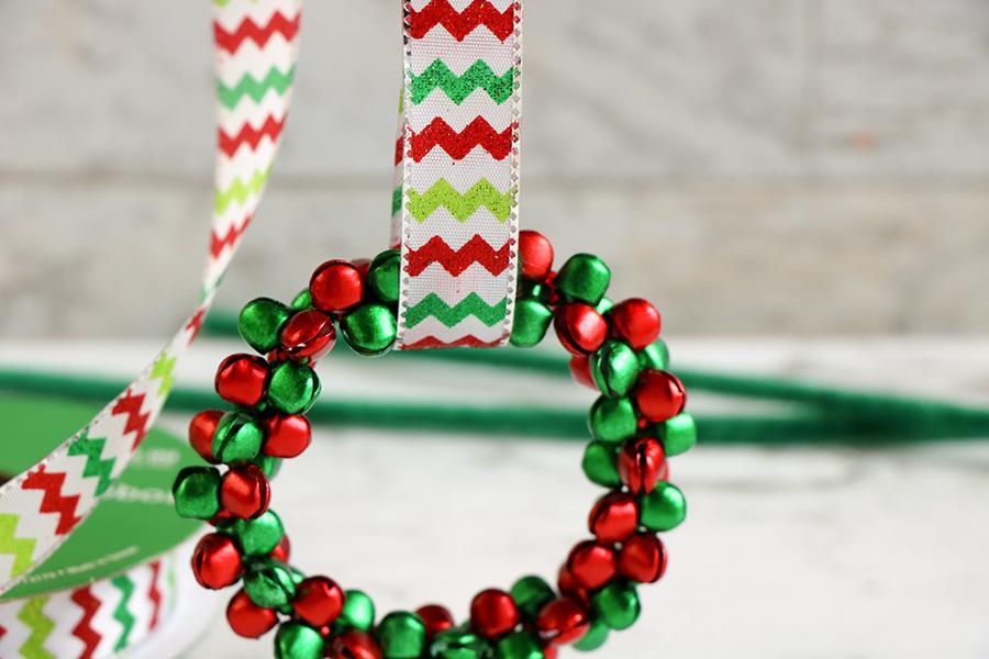 Jingle-Bell-Ornament-wreath-5