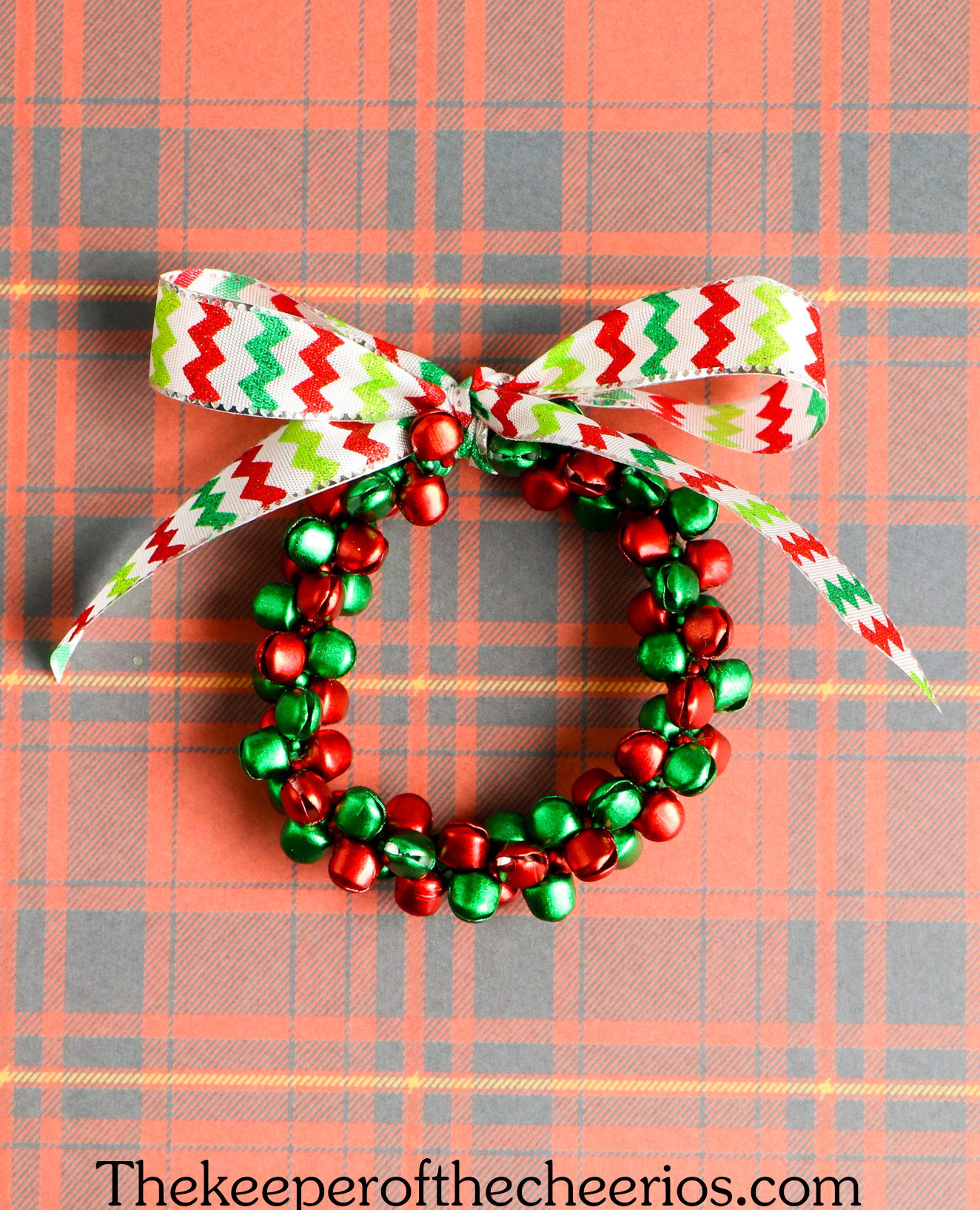 Jingle-Bell-Ornament-wreath-7