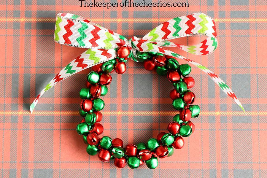 Jingle-Bell-Ornament-wreath-8