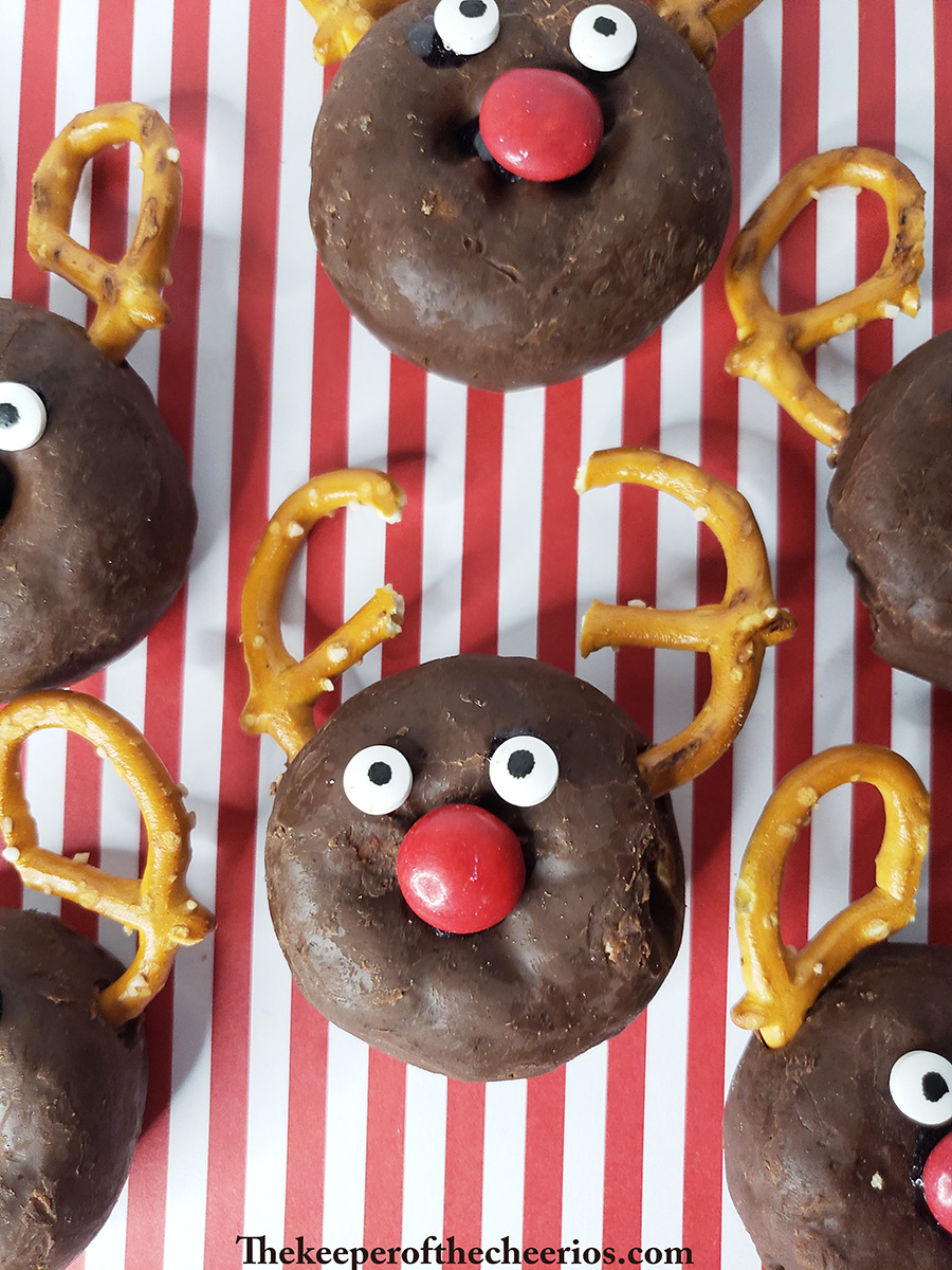 rudolph-donuts-3