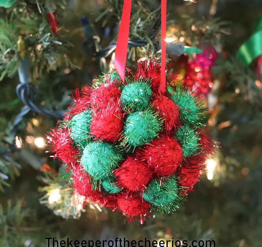 Styrofoam-Pom-Pom-Ornament-4