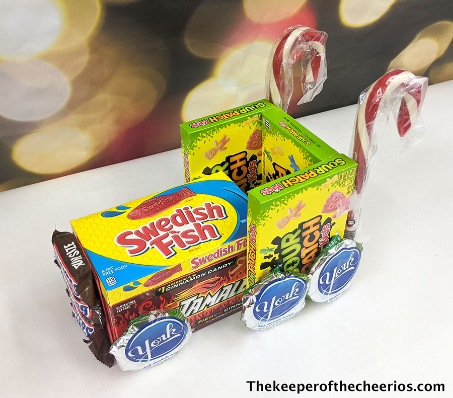 candy-christmas-truck-3