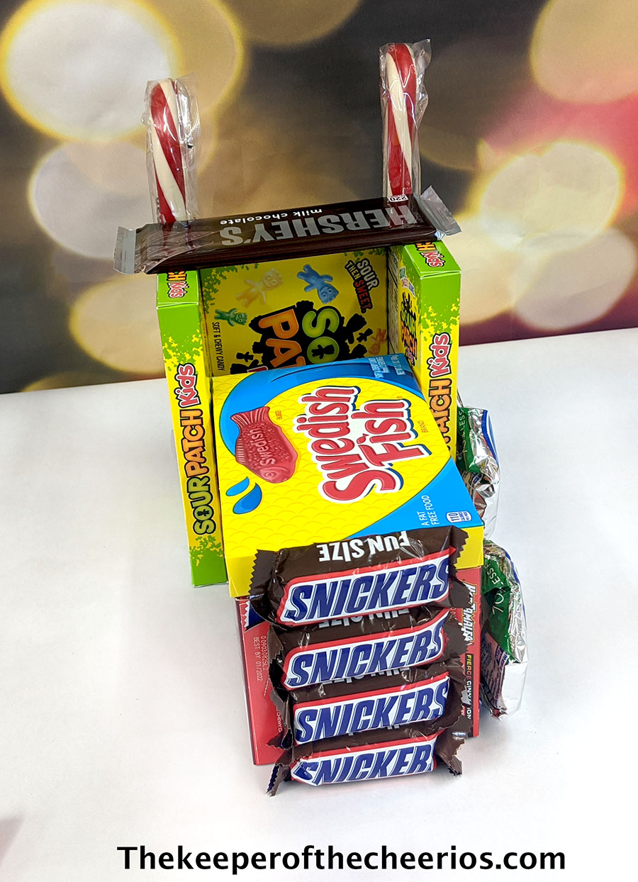 candy-christmas-truck-4
