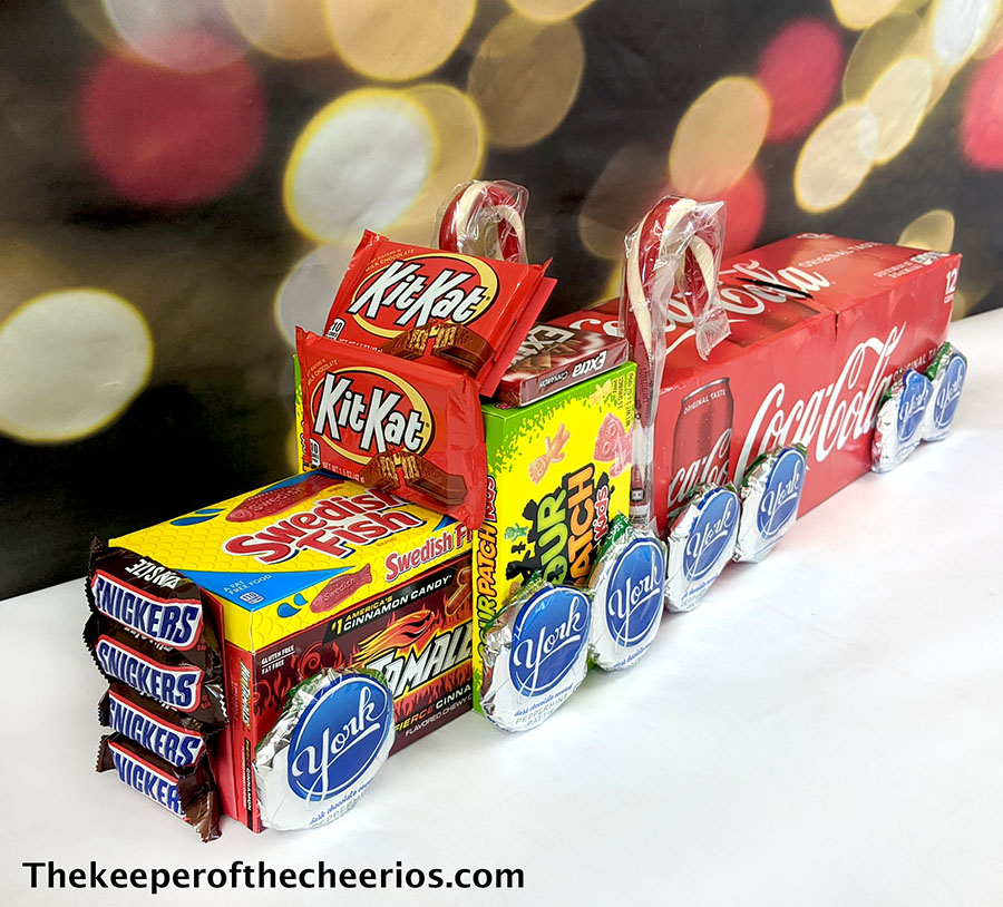 candy-christmas-truck-6