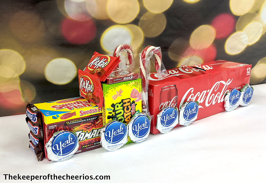 candy-christmas-truck-8