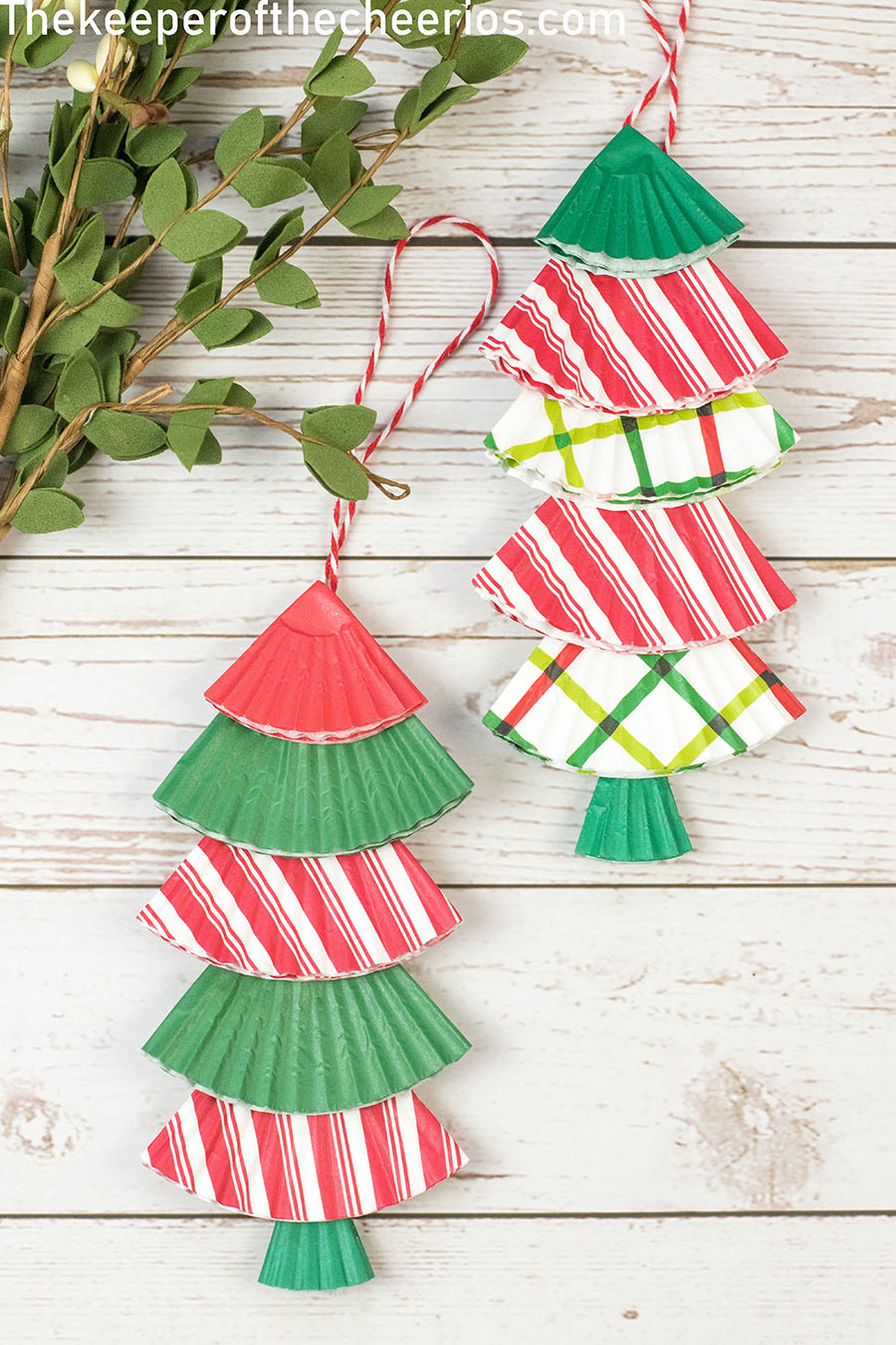 christmas-tree-cupcake-liner-ornament-1