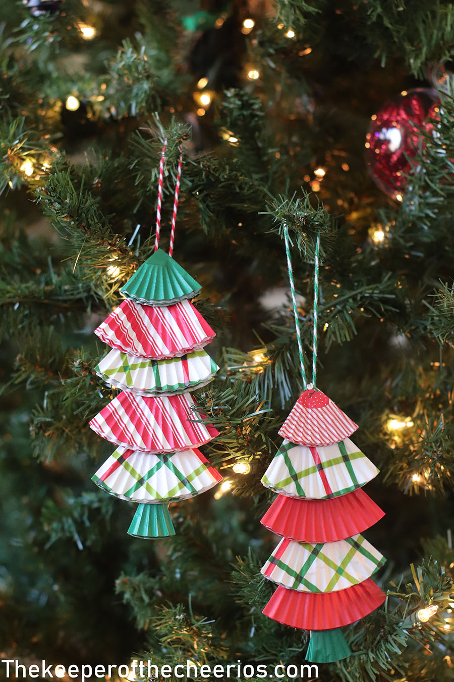 christmas-tree-cupcake-liner-ornament-2