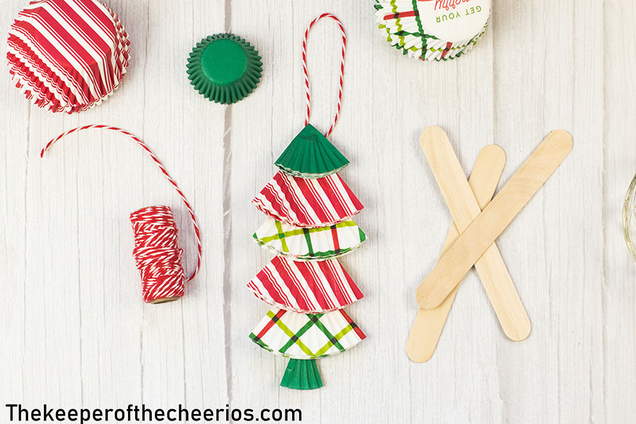 christmas-tree-cupcake-liner-ornament-7