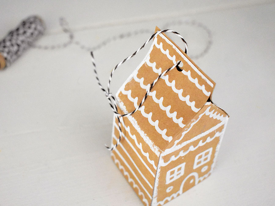 gingerbread-house-ornaments-11