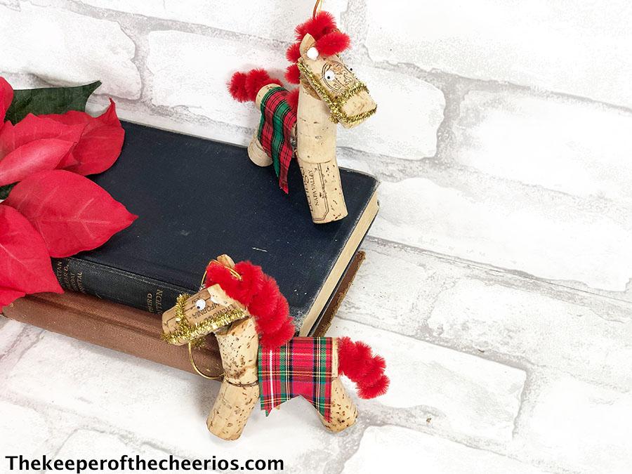 horse-ornaments-1