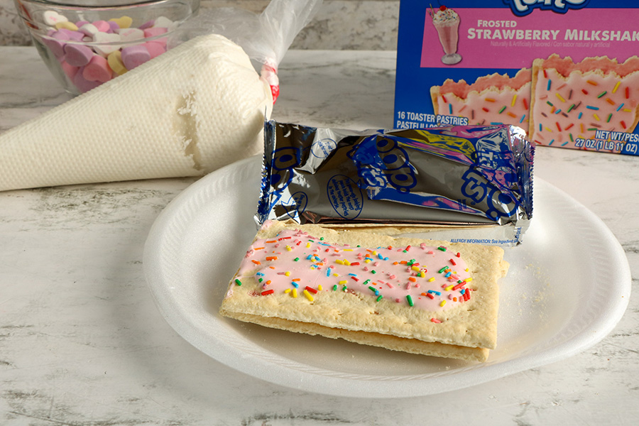 Valentines-Day-Pop-Tart-Houses-1