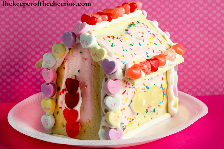 Valentines-Day-Pop-Tart-Houses-11