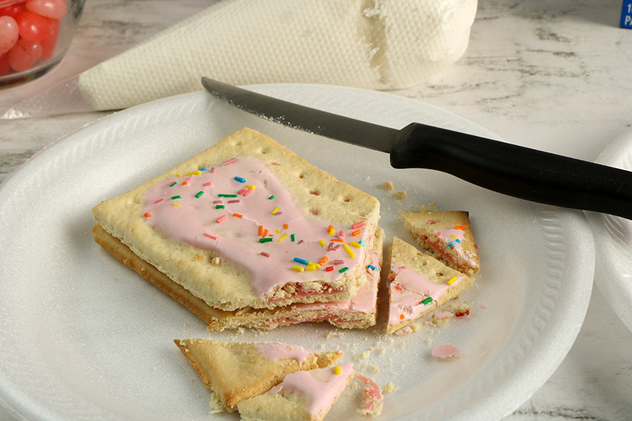 Valentines-Day-Pop-Tart-Houses-2