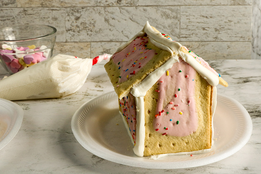 Valentines-Day-Pop-Tart-Houses-5