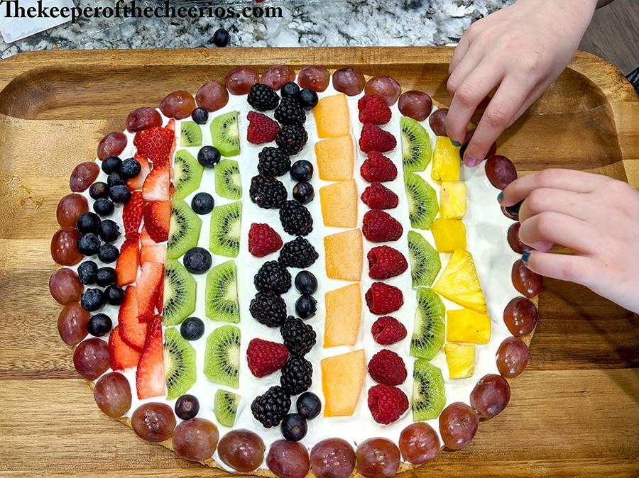 easter-egg-fruit-pizza-6