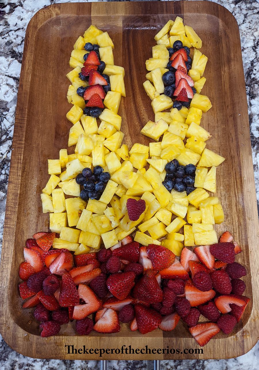 easter-fruit-tray-bunny-4