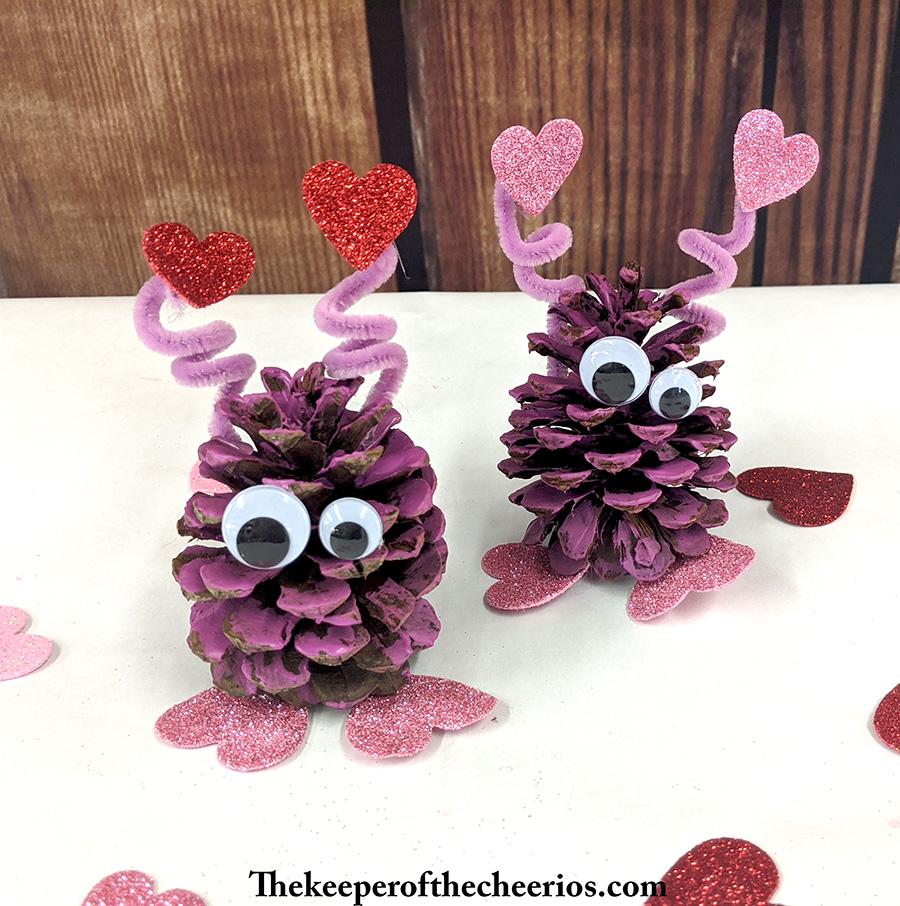 pinecone-love-bugs-7