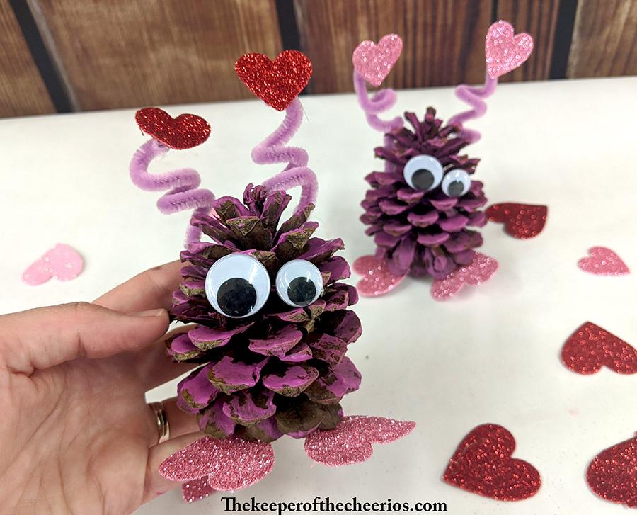 pinecone-love-bugs-8
