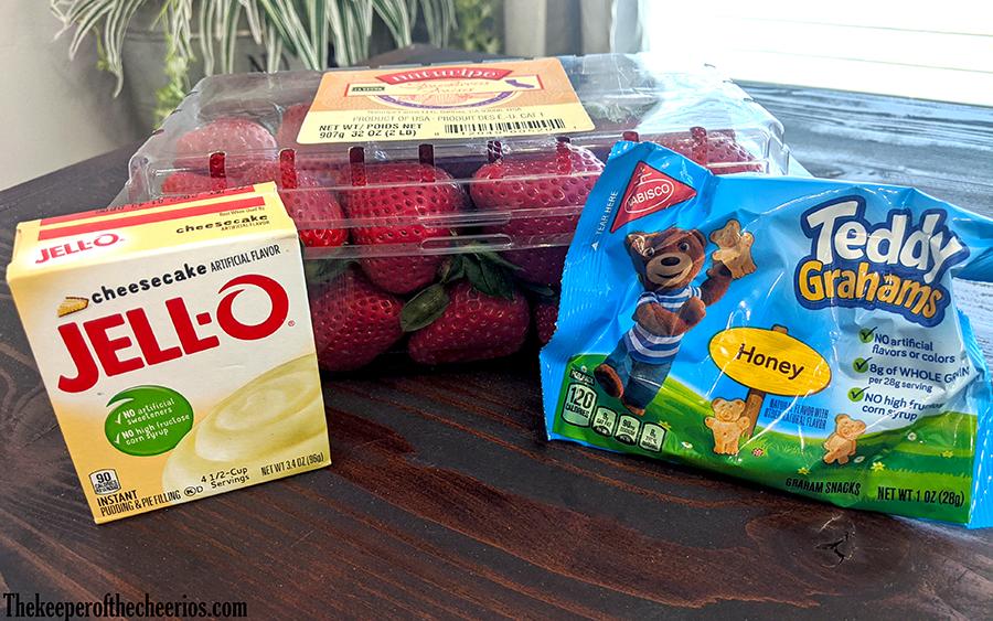 walking-strawberry-cheesecake-treat