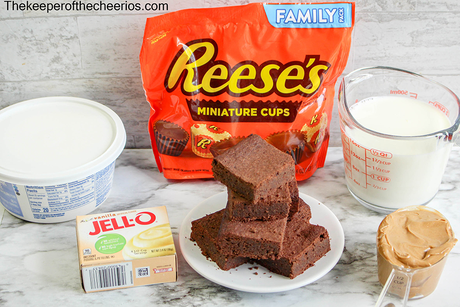 Reeses-Brownie-Parfait-jar-1