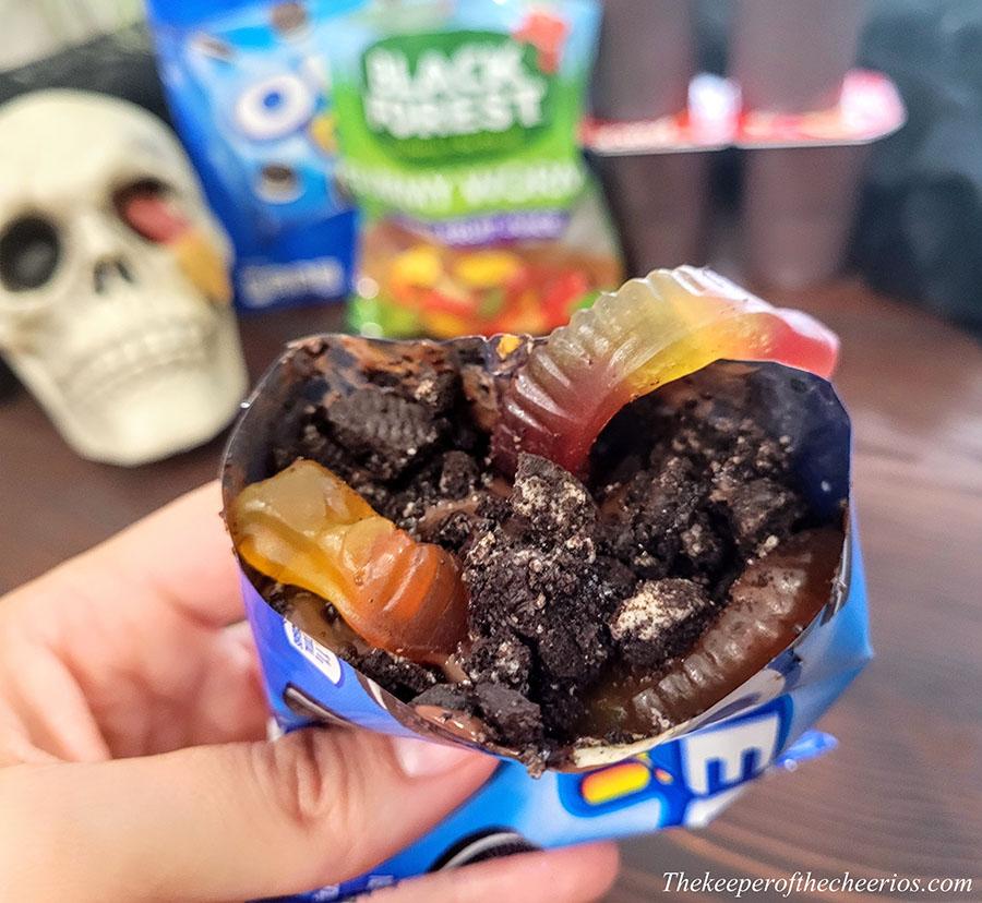 halloween-dirt-and-worms-walking-dessert-2